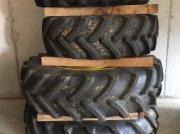 BKT 420/85 R30 + Firestone 460/85 R42 Pflegerad