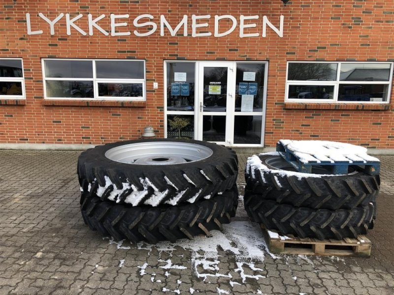 Pflegerad des Typs BKT Komplet sæt sprøjtehjul passende T7/Puma, Gebrauchtmaschine in Gjerlev J. (Bild 1)
