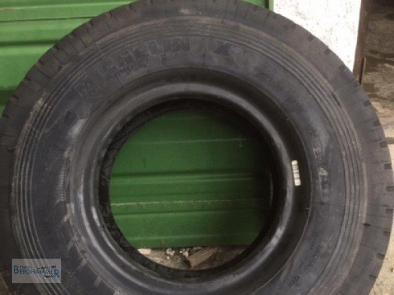 Pflegerad des Typs Michelin Reifen, Neumaschine in Söchtenau (Bild 3)