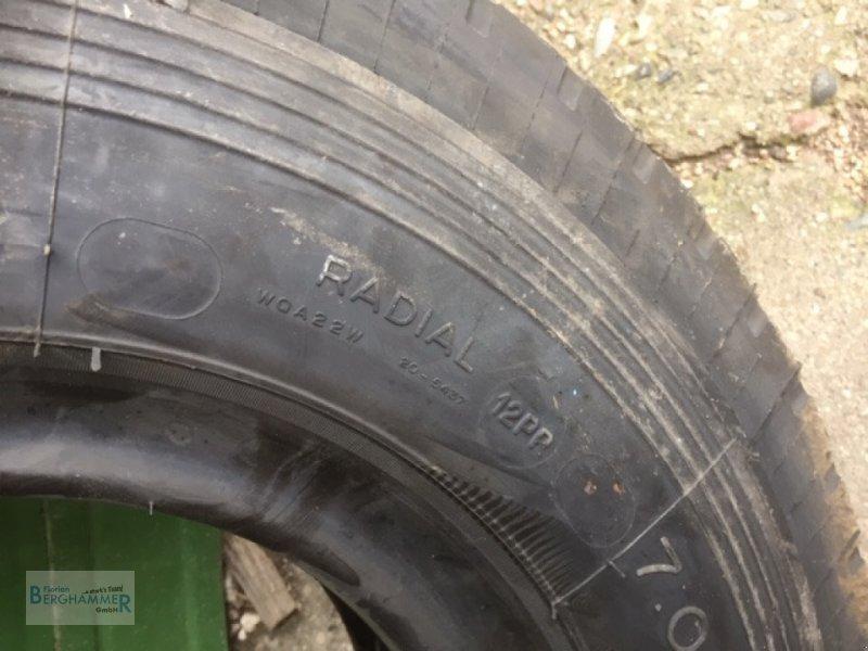 Pflegerad des Typs Michelin Reifen, Neumaschine in Söchtenau (Bild 4)