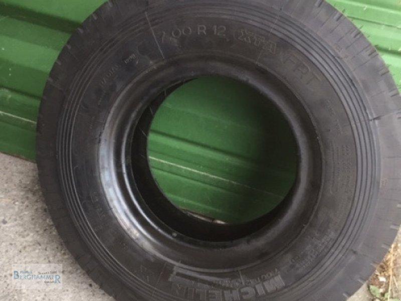 Pflegerad des Typs Michelin Reifen, Neumaschine in Söchtenau (Bild 7)