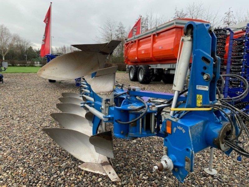 Pflug типа Överum VFEX 4975 H 5 furer vendeplov m/hydr.udløser(Fin plov, men trænger til lidt sliddele), Gebrauchtmaschine в Sakskøbing (Фотография 1)