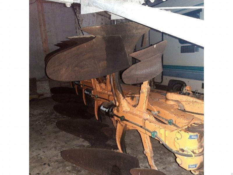 Pflug tip Kuhn VARIMASTER 120, Gebrauchtmaschine in CHATEAUBRIANT CEDEX (Poză 1)