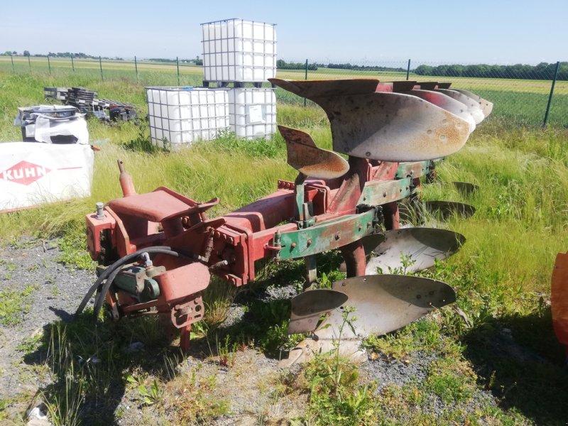 Pflug tip Kverneland 4 CORPS, Gebrauchtmaschine in CINTHEAUX (Poză 1)