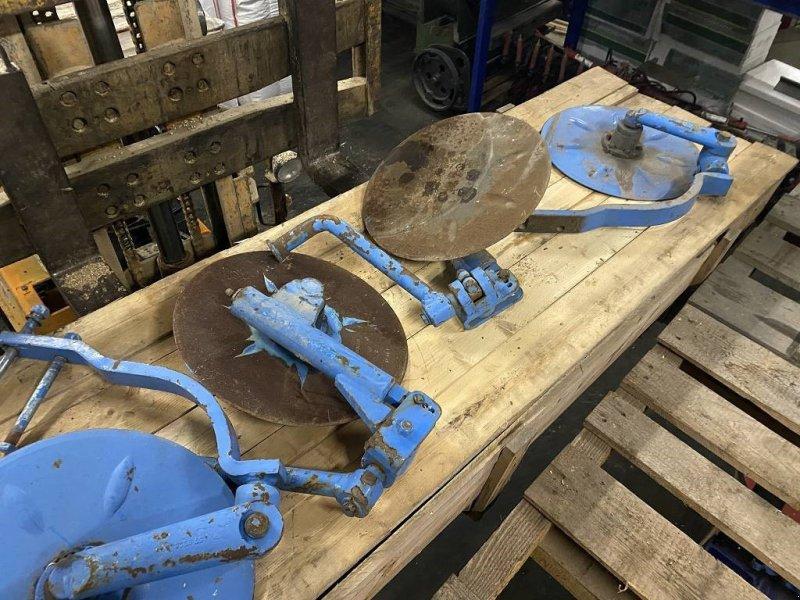 Pflug des Typs Lemken Scheibensech, Radnabe etc für Lemken  u Rabe, Gebrauchtmaschine in Schutterzell (Bild 1)