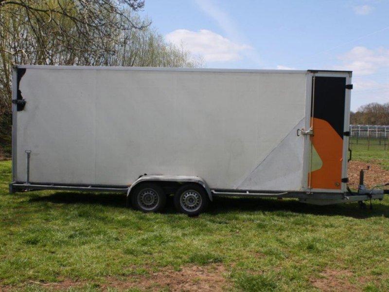 PKW-Anhänger типа Hapert Gesloten aanhangwagen, Gebrauchtmaschine в Antwerpen (Фотография 1)