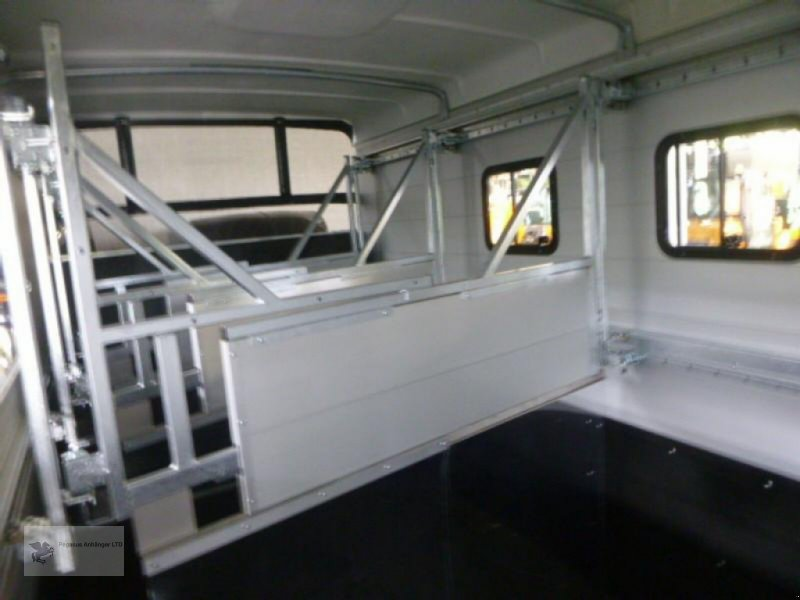 PKW-Anhänger типа Humbaur TRIA 3-Pferdeanhänger, ALU, 3,5to, Neumaschine в Gevelsberg (Фотография 10)