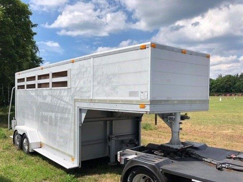 PKW-Anhänger типа Sonstige Be Oplegger Noyens 5100 kg Aluminium paardentrailer BE, Gebrauchtmaschine в Putten (Фотография 1)
