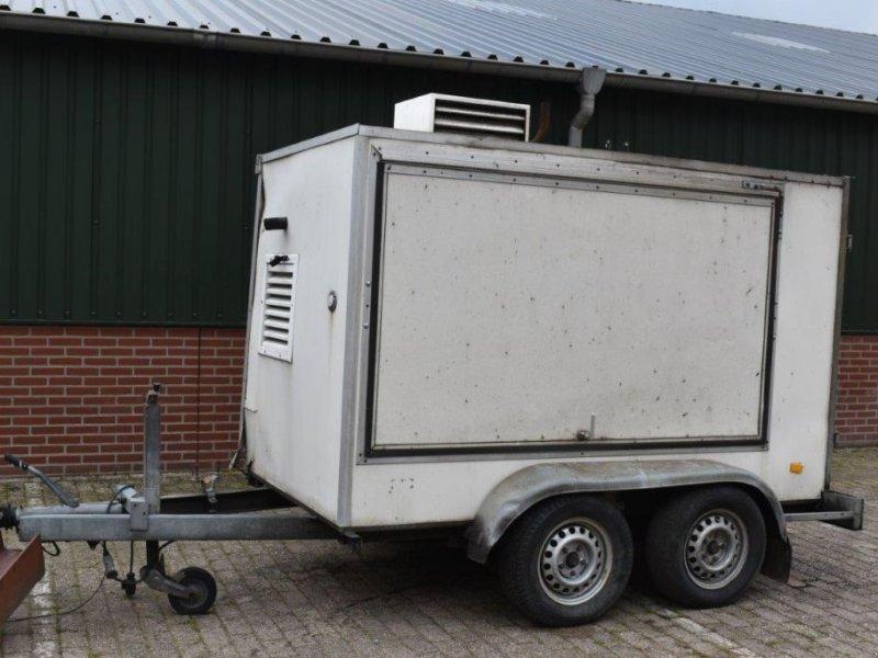 PKW-Anhänger типа Sonstige Lombardini Gesloten aanhangwagen met generator, Gebrauchtmaschine в Antwerpen (Фотография 1)