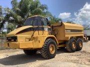 Caterpillar 725 Легковой/грузовой автомобиль