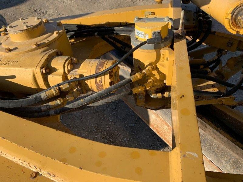 Planierraupe tip Caterpillar CAT 140 H, Gebrauchtmaschine in BRIGNAIS (Poză 6)