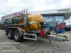 Pumpfass des Typs Vakutec VA 12 500 PT MKE Eco mit 12m Schleppschuvert. in Aurolzmünster