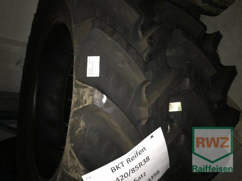 Bild Bohnenkamp BKT Satz Reifen 420/85R38