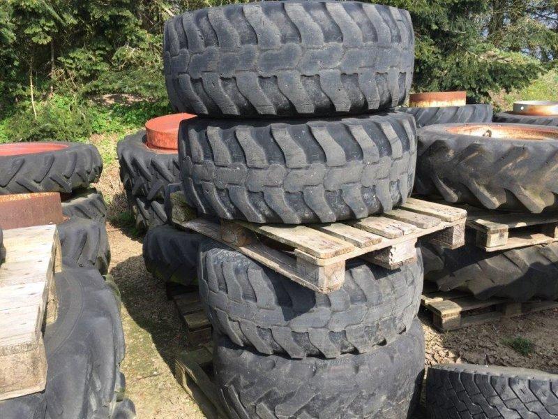 Rad a típus Dunlop 405/70 R20 8 hul - 220/275, Gebrauchtmaschine ekkor: Tinglev (Kép 1)