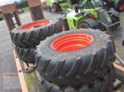 Rad typu Firestone Radsatz komplett Pflegeräder CLAAS AXION 800, 520/85R42 + 460/85R30, Gebrauchtmaschine w Molbergen
