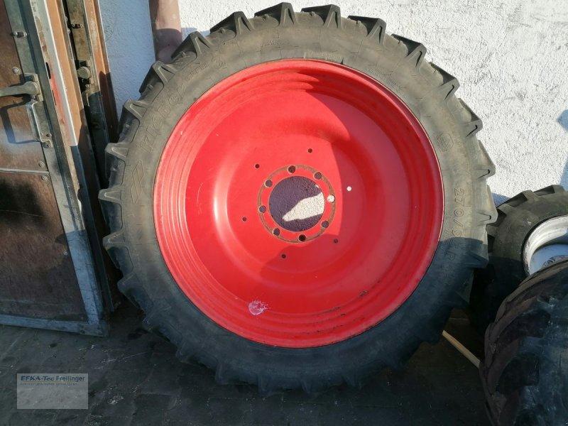 Rad des Typs Kleber 270/95 R38, Gebrauchtmaschine in Obing (Bild 1)