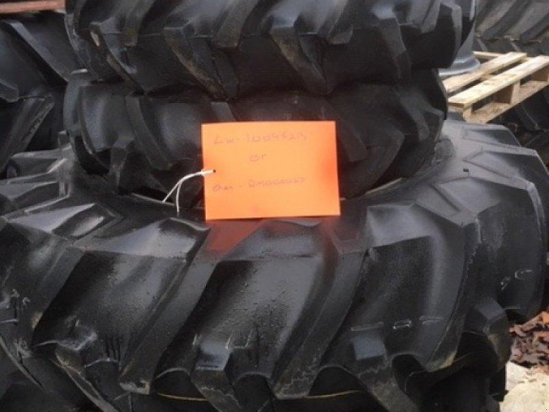 Rad des Typs Massey Ferguson 8-16 13.6R24, Gebrauchtmaschine in Wallingford (Bild 1)