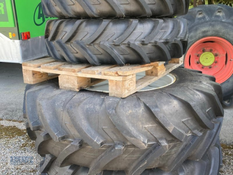 Rad типа Michelin 11.2 R 24 + 16.9 R30, Neumaschine в Salching bei Straubing (Фотография 1)