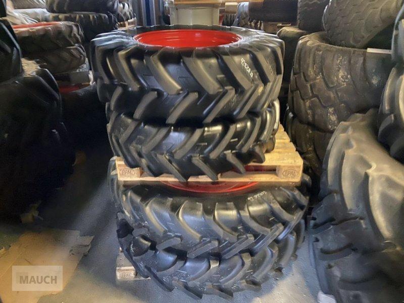 Rad des Typs Michelin 13.6R24 + 13.6R38, Gebrauchtmaschine in Burgkirchen (Bild 1)