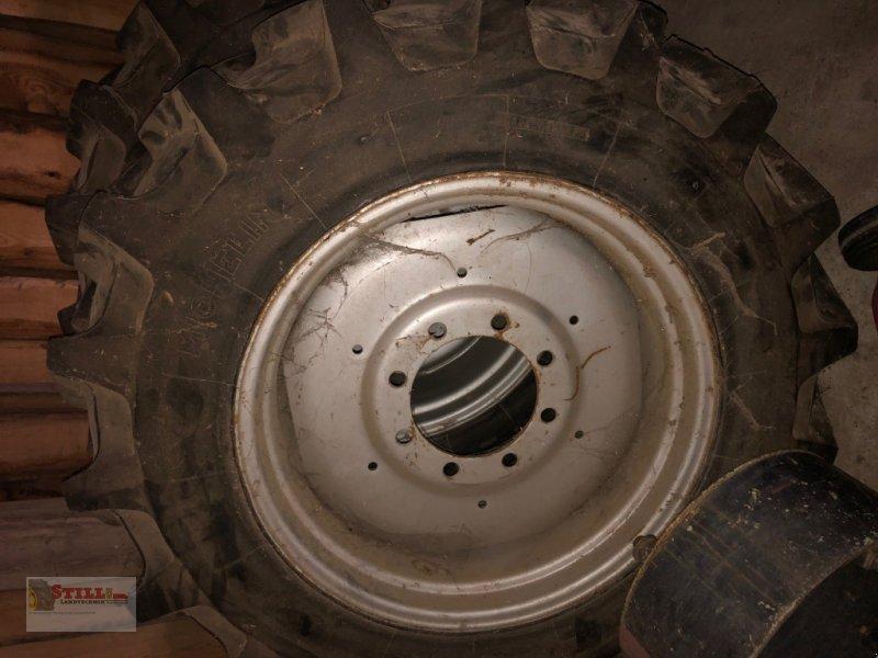 Rad des Typs Michelin 14.9R28, Gebrauchtmaschine in Niederviehbach (Bild 1)