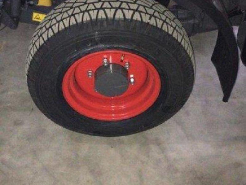 Rad des Typs Michelin 265/70R16 112H, Neumaschine in Husum (Bild 1)