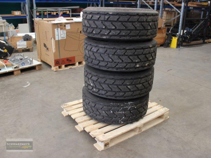 Rad des Typs Michelin 340/65R18 8-Loch, Neumaschine in Gampern (Bild 1)