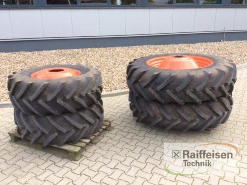 Rad des Typs Michelin 420/70R24 & 420/70R38, Gebrauchtmaschine in Ilsede-Gadenstedt (Bild 1)