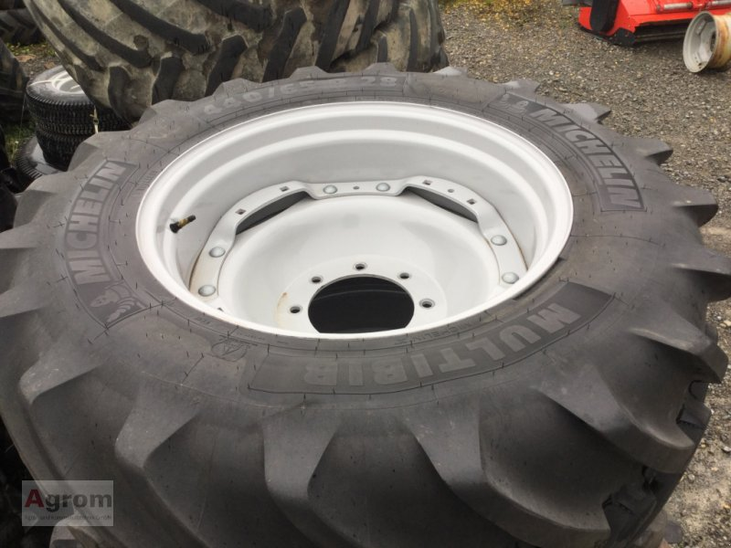 Rad des Typs Michelin 440/65 R28, Gebrauchtmaschine in Herrenberg-Gültstein (Bild 1)