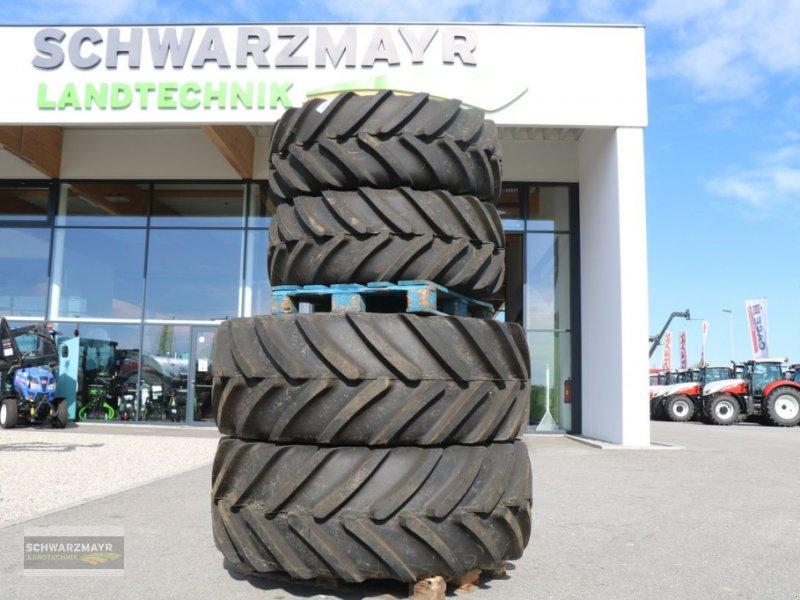 Rad des Typs Michelin 600/65R34+480/65R24, Neumaschine in Gampern (Bild 1)