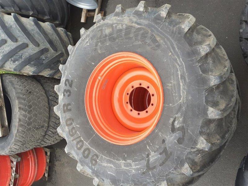 Rad a típus Mitas 900/60R32  Afmonteringshjul, Gebrauchtmaschine ekkor: Danmark (Kép 1)