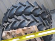 Rad des Typs New Holland Radsatz 380/70 R28, Neumaschine in Kleeth