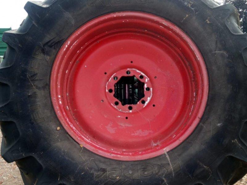 Rad des Typs Pirelli 580/70 R38, Gebrauchtmaschine in Schrobenhausen (Bild 1)