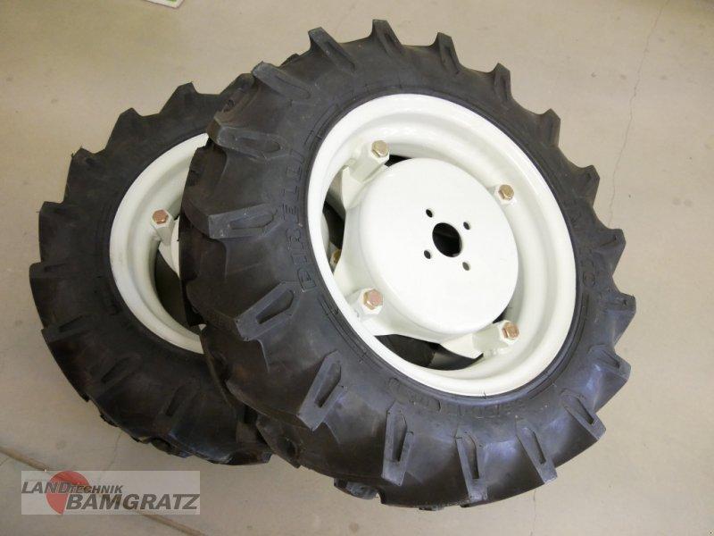 Rad des Typs Pirelli 6.50/80-15 69209013, Neumaschine in Eberfing (Bild 1)