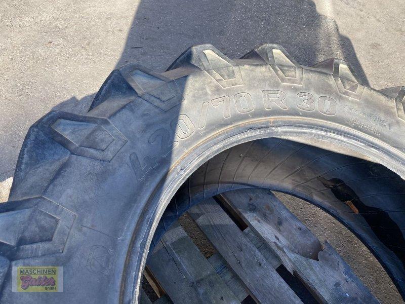 Rad des Typs Pirelli TM 700 420/70R30, Gebrauchtmaschine in Kötschach (Bild 3)
