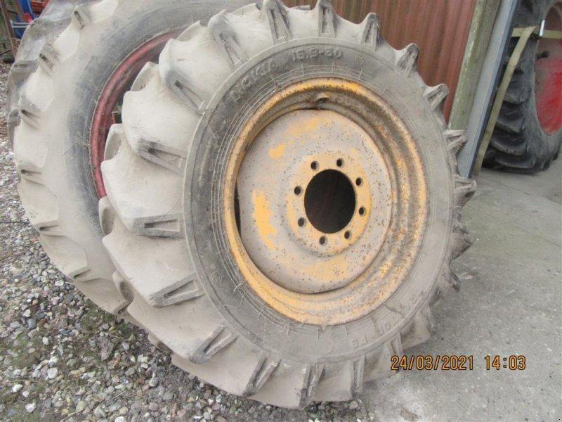 Rad des Typs Sonstige 16.9x30 komplet hjul., Gebrauchtmaschine in Høng (Bild 1)