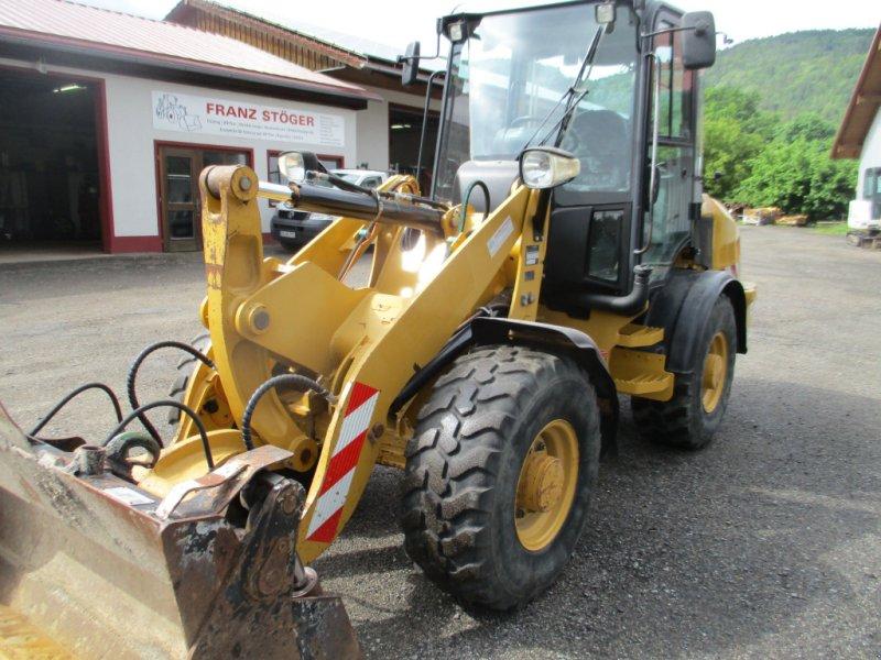 Radlader des Typs Caterpillar 907H, Gebrauchtmaschine in Haselbach (Bild 1)