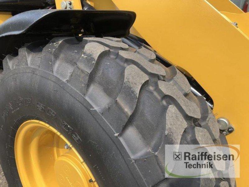 Radlader des Typs Caterpillar 908M Radlader, Ausstellungsmaschine in Bad Oldesloe (Bild 4)