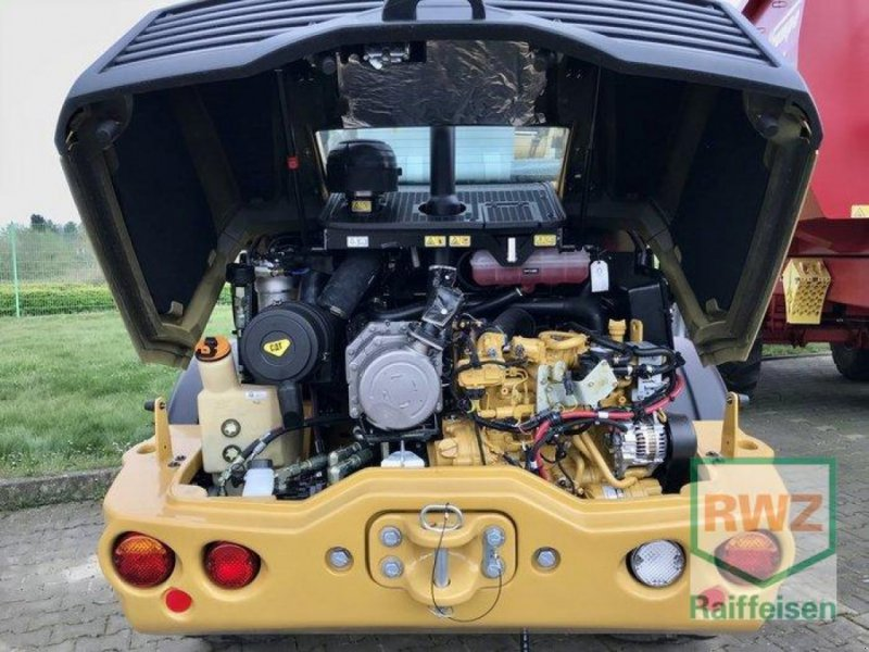 Radlader des Typs Caterpillar CAT 908M, Neumaschine in Rommerskirchen (Bild 2)