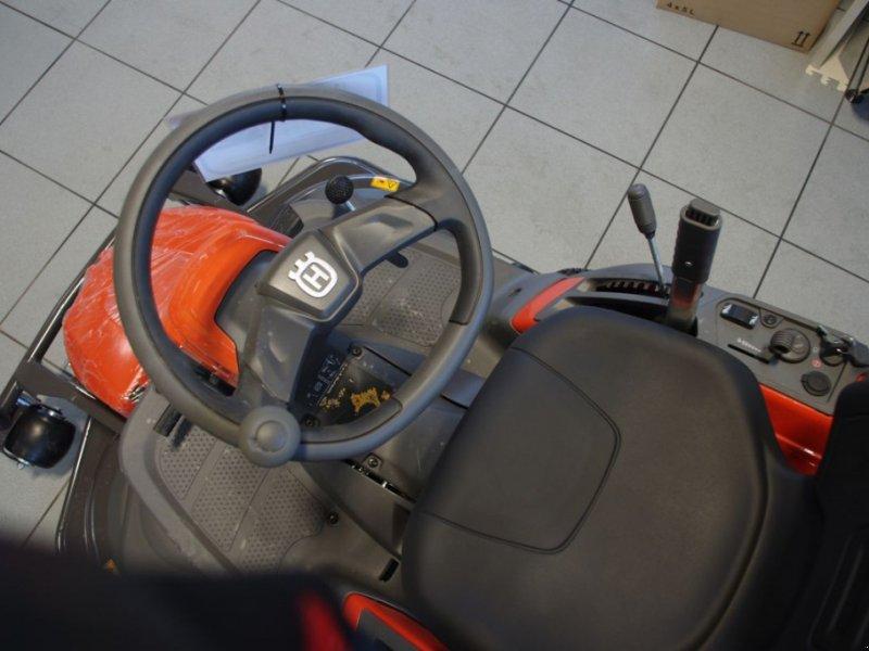 Rasentraktor des Typs Husqvarna Rider 320 AWD, Gebrauchtmaschine in Villach (Bild 6)