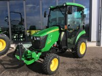 John Deere 2026R fűnyíró traktor