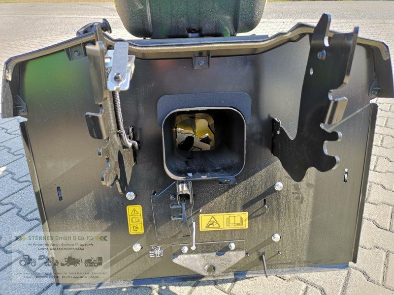 Rasentraktor des Typs John Deere X146R, Neumaschine in Eging am See (Bild 15)