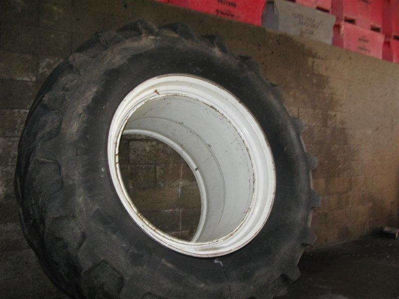 Reifen типа AP 710-70/42, Gebrauchtmaschine в Aabenraa (Фотография 1)