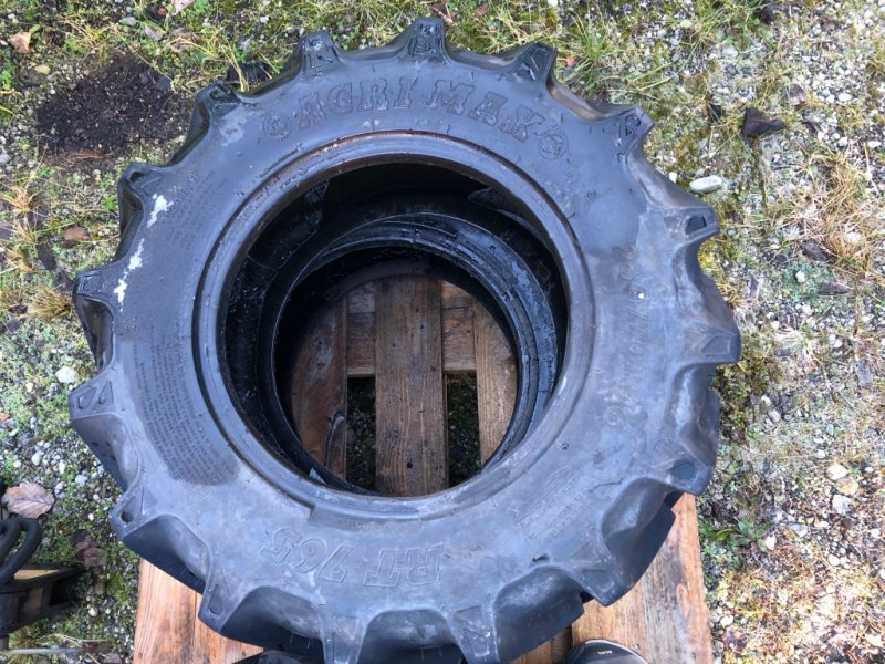 Reifen типа BKT 280/70 R16, Gebrauchtmaschine в Au (Фотография 1)