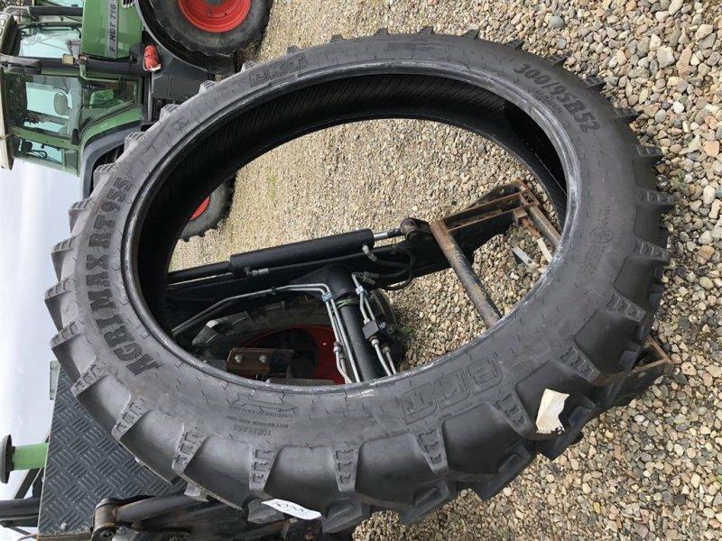Reifen типа BKT 300/95R52 demo, Gebrauchtmaschine в Rødekro (Фотография 1)