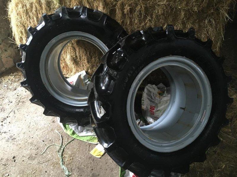 Reifen типа BKT Tvillingforhjul 320/70/24, Gebrauchtmaschine в Egtved (Фотография 1)