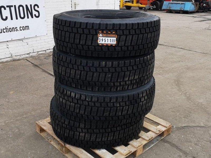 Reifen типа Bridgestone 315/70R22.5 (Retreaded), Gebrauchtmaschine в Leende (Фотография 1)