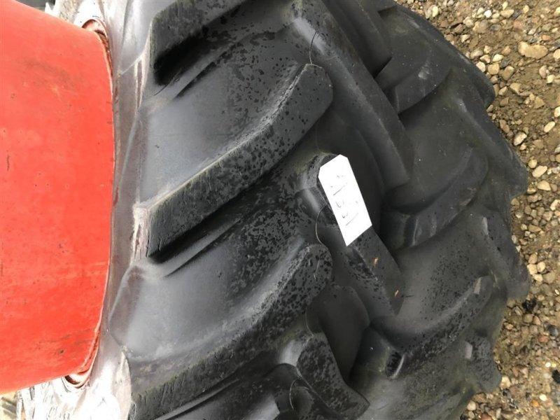 Reifen типа Dunlop 18.4R34-38, Gebrauchtmaschine в Rødekro (Фотография 1)