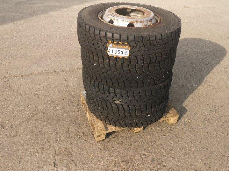 Reifen типа Firestone 225/75 R17.5, Gebrauchtmaschine в Leende (Фотография 1)