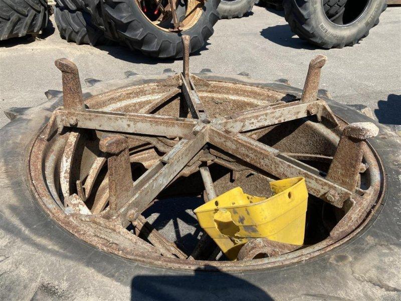 Reifen типа Michelin 12.4-36, Gebrauchtmaschine в Aalestrup (Фотография 2)