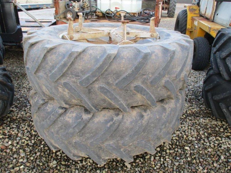 Reifen типа Michelin 18.4R38 Molcon til brede klodser, Gebrauchtmaschine в Lintrup (Фотография 1)